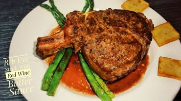 Rib Eye Steak With Red Wine Sauce