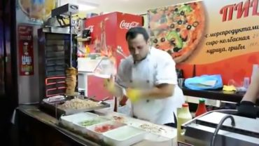 This kebab chef really has skills!